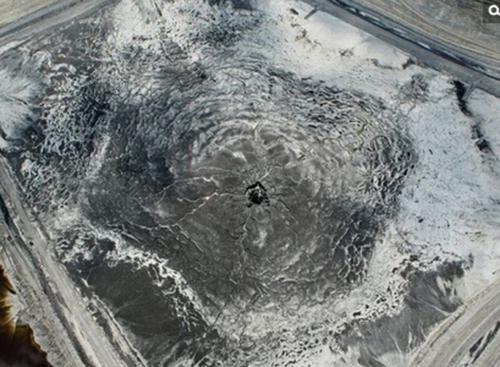 最大磷肥厂辐射水池现神秘巨洞10亿升污水泄